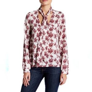 ASTR the Label Scarf Neck Blouse Floral Small